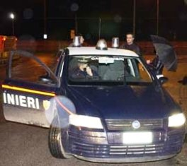 carabinieri_auto_notte01
