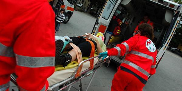 incidente-stradale-soccorsi-ambulanza