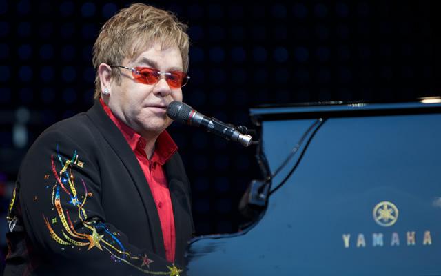 Elton-John-in-concerto-al-Teatro-degli-Scavi-di-Pompei