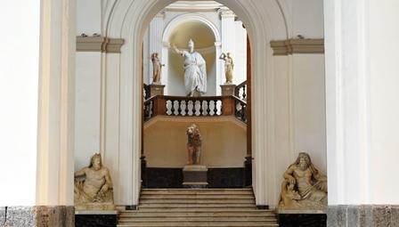 Napoli_-_MANN_Scalone