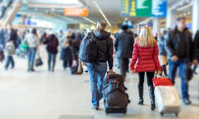 aeroporto-persone-Shutterstock