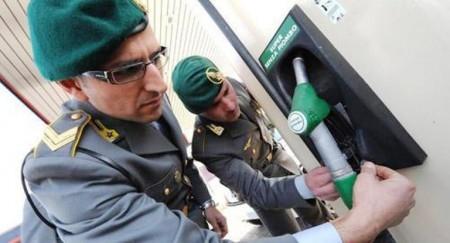 guardia-di-finanza-benzina5