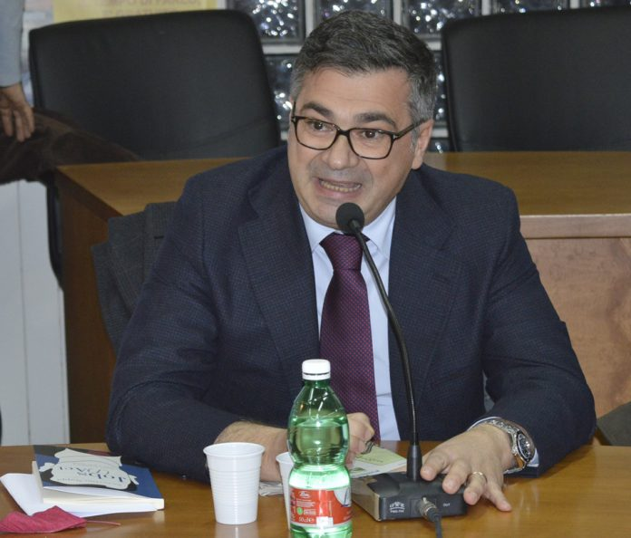 Il_sindaco_di_Brusciano_Giosy_Romano