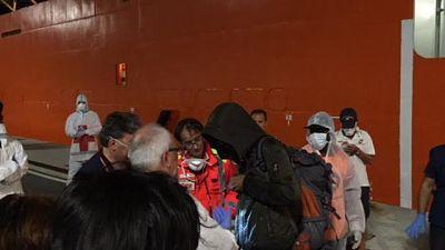 sbarco-migranti-di-notte-6