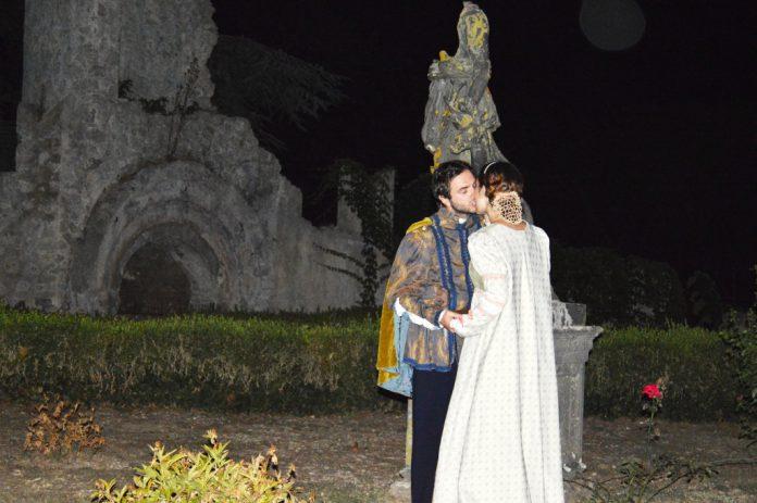 Il_bacio_notturno_di_Romeo_e_Giulietta_a_Valva