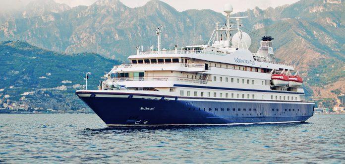 OceanEvent-seadream-anchor