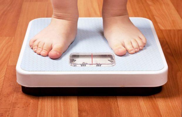 obesita-infantile-620x400
