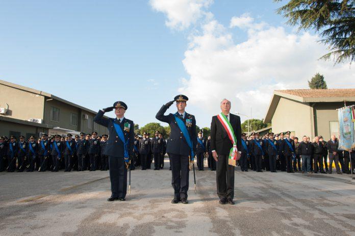 Col._Di_Palma_con_il_Sindaco_di_Grazzanise_ed_il_Comandante_dello_schieramento
