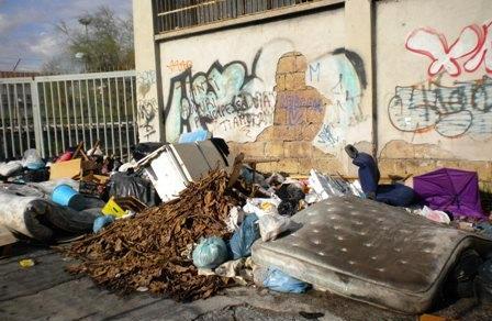 ercolano-rifiuti-tossici-per-le-strade-lallar-L-qndhWo