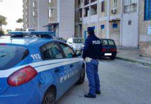 napoli---blitz-della-polizia-a-scampia-sequestrati-kalashnikov-e-due-passamontagna