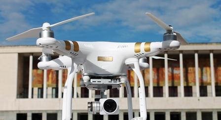 Drone_in_mostra_com_3