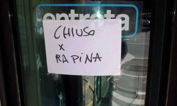 cartello-chiuso-per-rapina-2-800x481