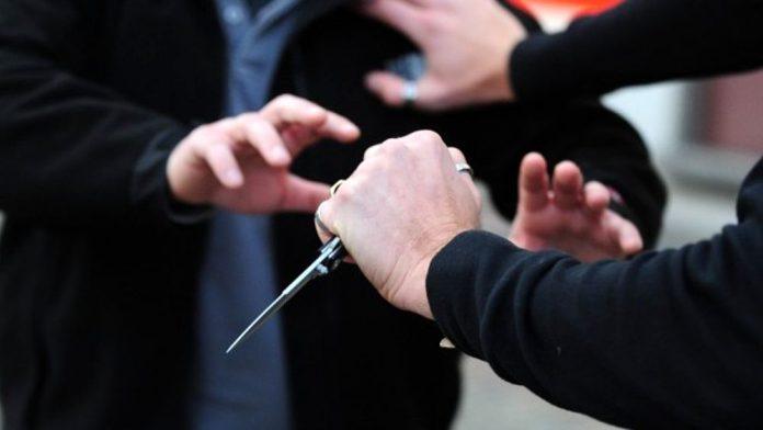 coltello_minaccia-2