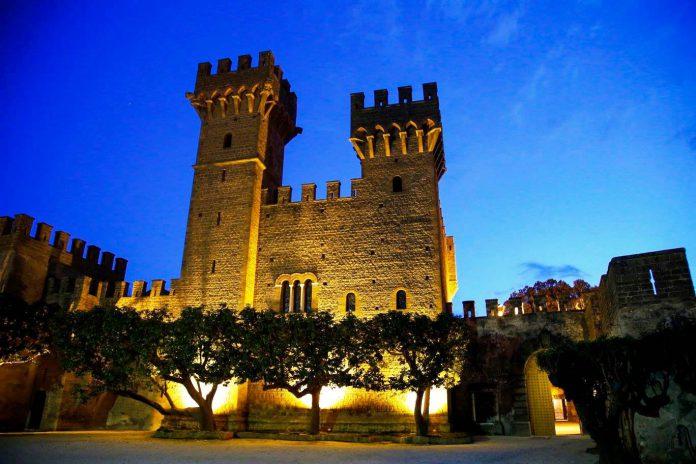 Castello_Lancellotti_di_Lauro_illuminato