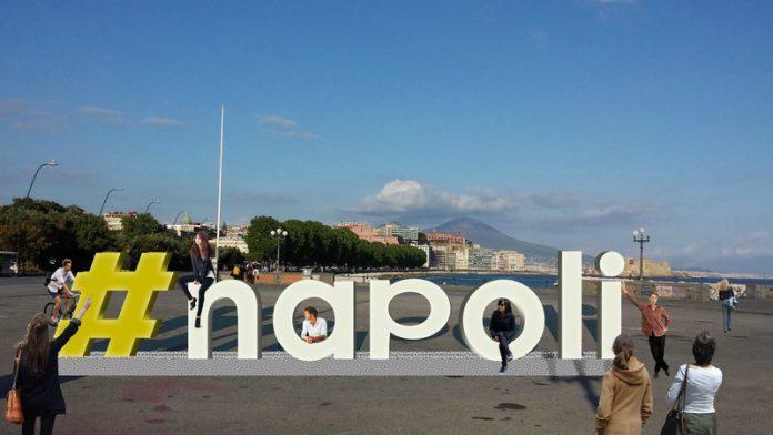 Scritta_Napoli