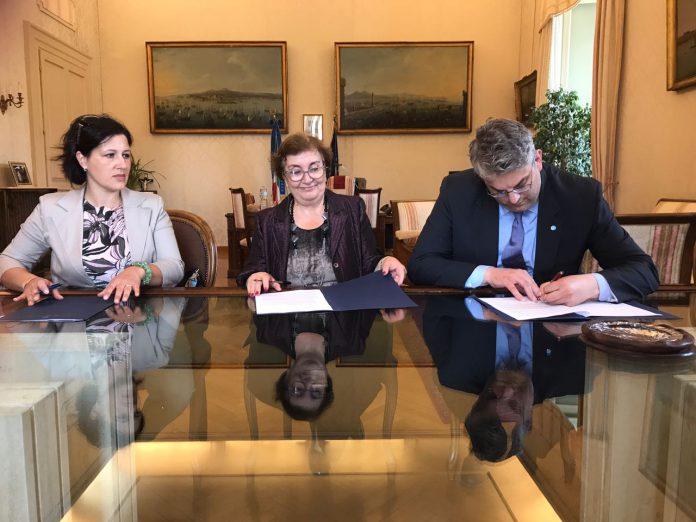 firma_protocollo_prefettura_volontariato_migranti_12_maggio_2017