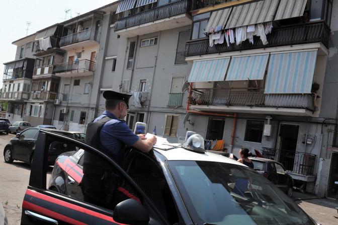Blitz-dei-carabinieri-nel-Rione-Traiano