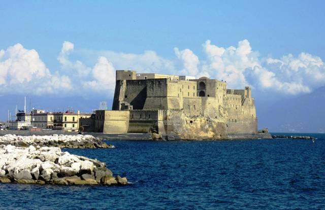Napoli_-_Castel_dellOvo_foto_Luca_Aless