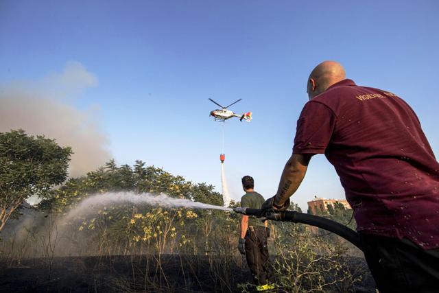 incendi-vigili-del-fuoco-elicottero
