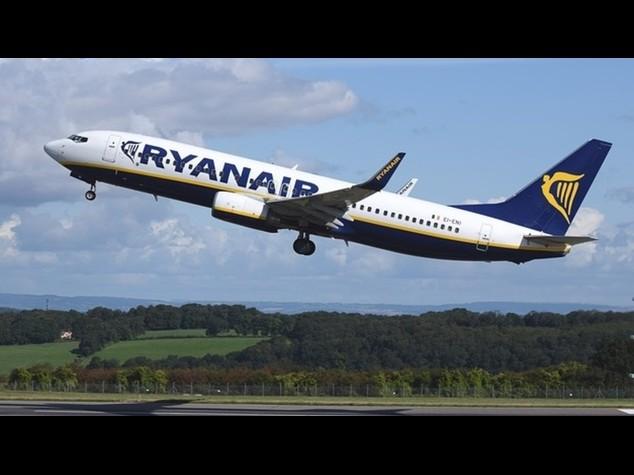 700_dettaglio2_Ryanair-decollo_634x475_1450102538589