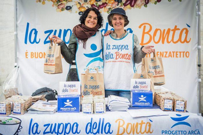 Zuppa_della_Bont_volontarie_in_piazza_2016