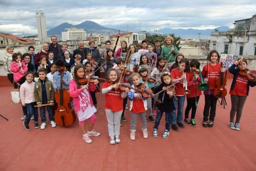 orchestra_quartieri_spagnoli_foto_due