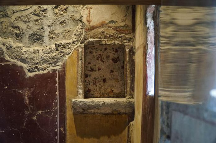 affresco-vandalizzato-pompei