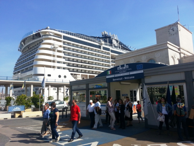 terminal-napoli-msc-141006152318_big