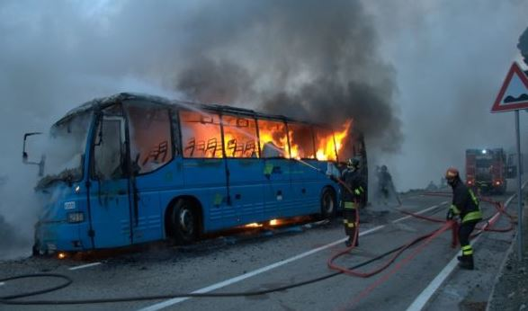 bus_in_fiamme