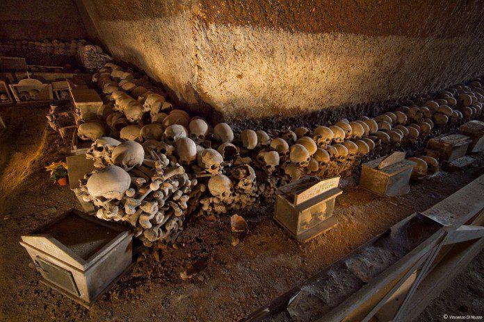 cimitero-fontanelle-napoli-696x464