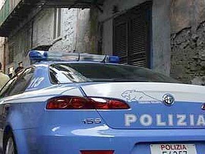polizia_auto_dietro--400x300