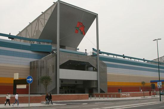 8_2010_marzo_l__ingresso_principale_al_centro