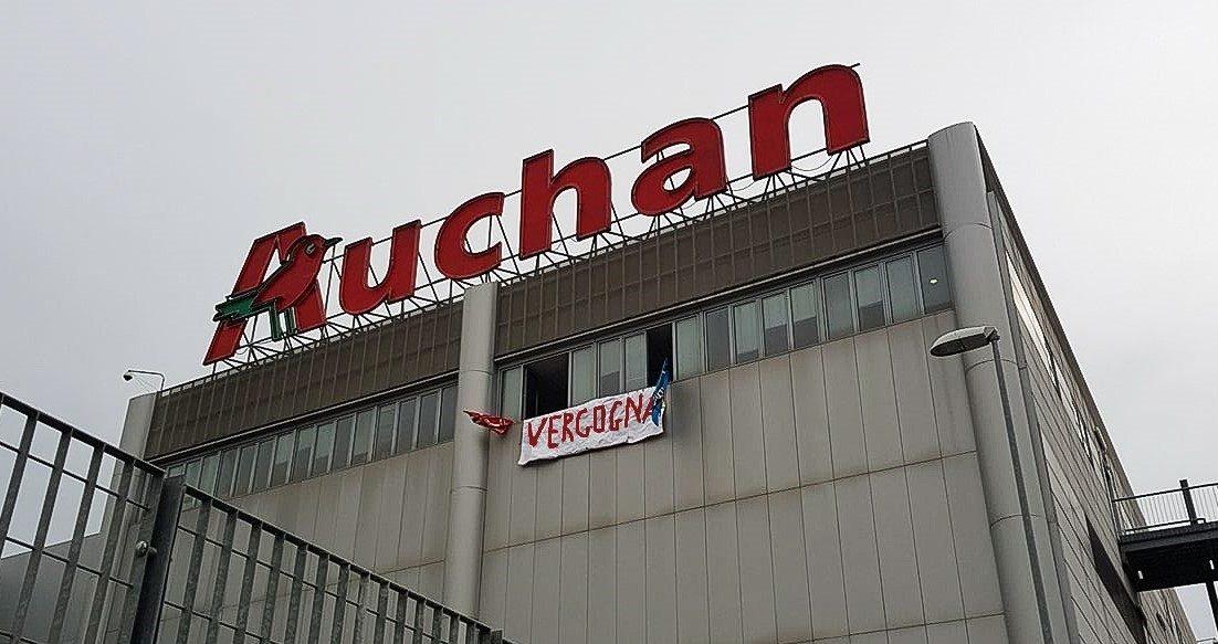 Auchan Tavoli Da Esterno.137 Dipendenti Auchan Nola Ancora Senza Futuro Napoli Village