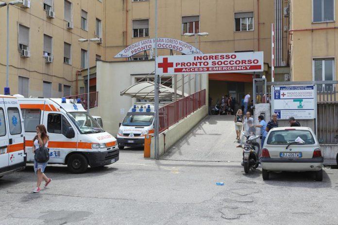 3795339_1853_napoli_ambulanza_sequestrata