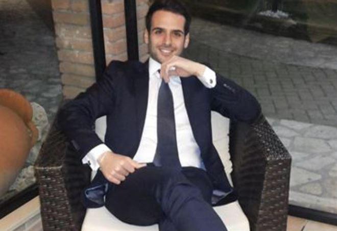 stefano_dellibovi_avvocato_bomba_salerno_facebook_2018_thumb660x453