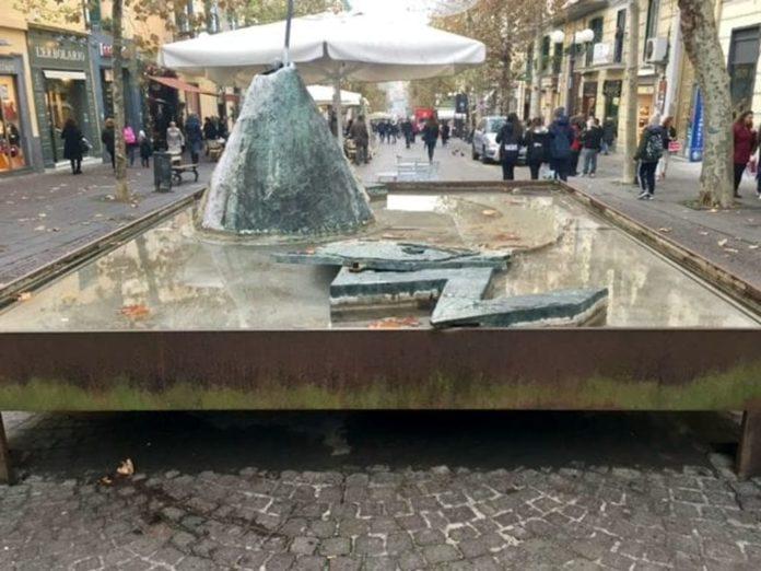Vomero, fontana di via Scarlatti-3