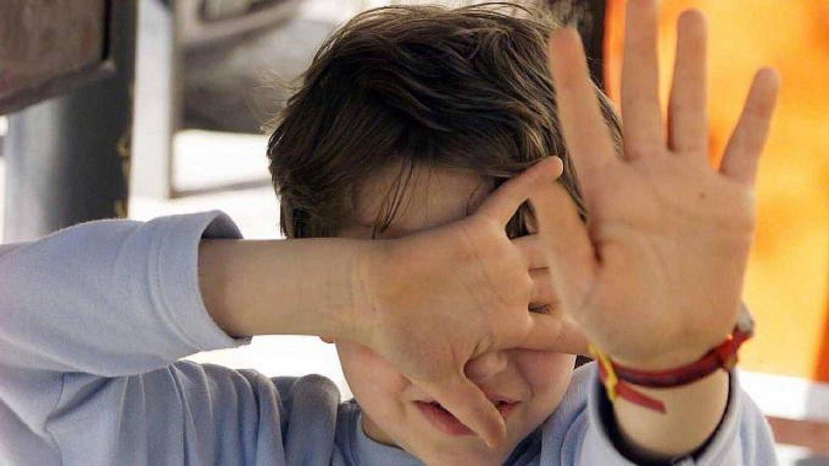 Bambino Qualiano.Choc A Qualiano Bambino Violentato In Bagno Dal Bidello Napoli Village Quotidiano Di Informazioni Online