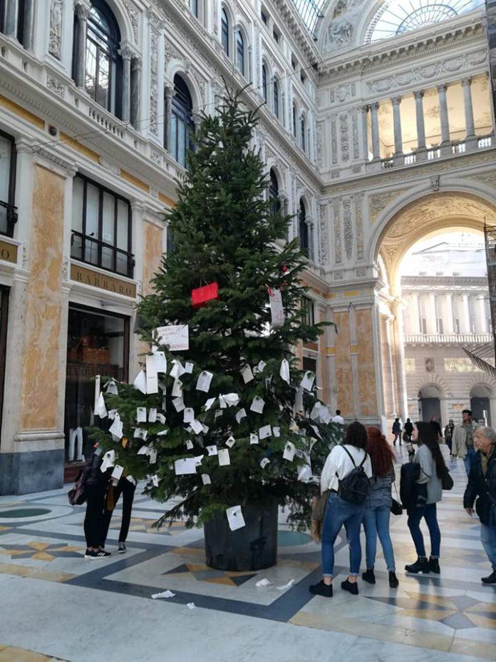 albero di Natale in Galleria Umberto