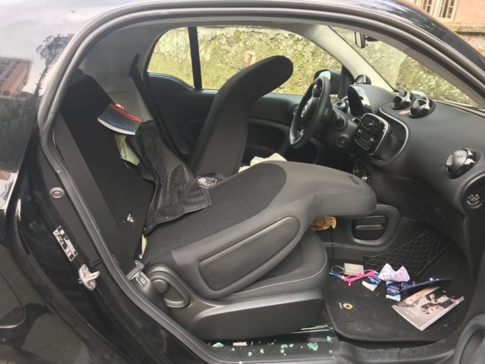 auto Pisani vandalizzata