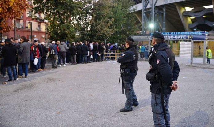 napoli-POLIZIA STADIO