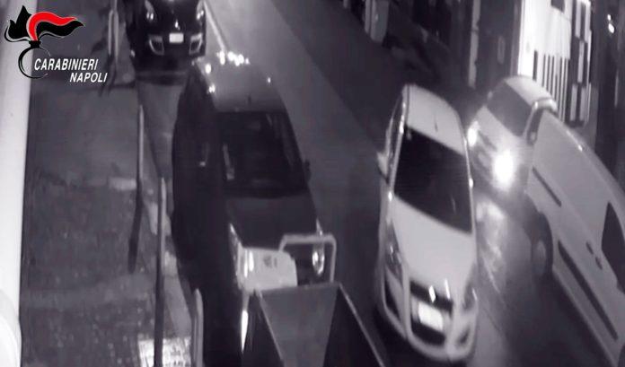 RAPINA GARAGE VOMERO escono dal garage